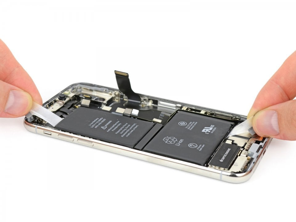 Замена аккумулятора iPhone X в Москве
