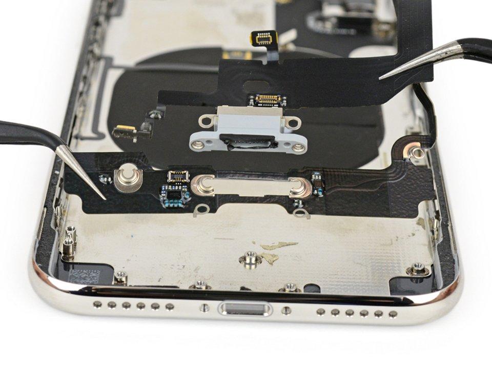 Замена разъема зарядки iPhone X