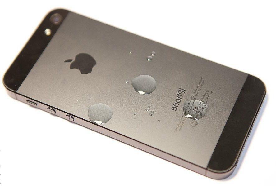 Чистка iPhone 5S после воды