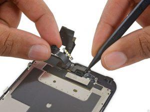 Замена датчика света iPhone 6S Plus