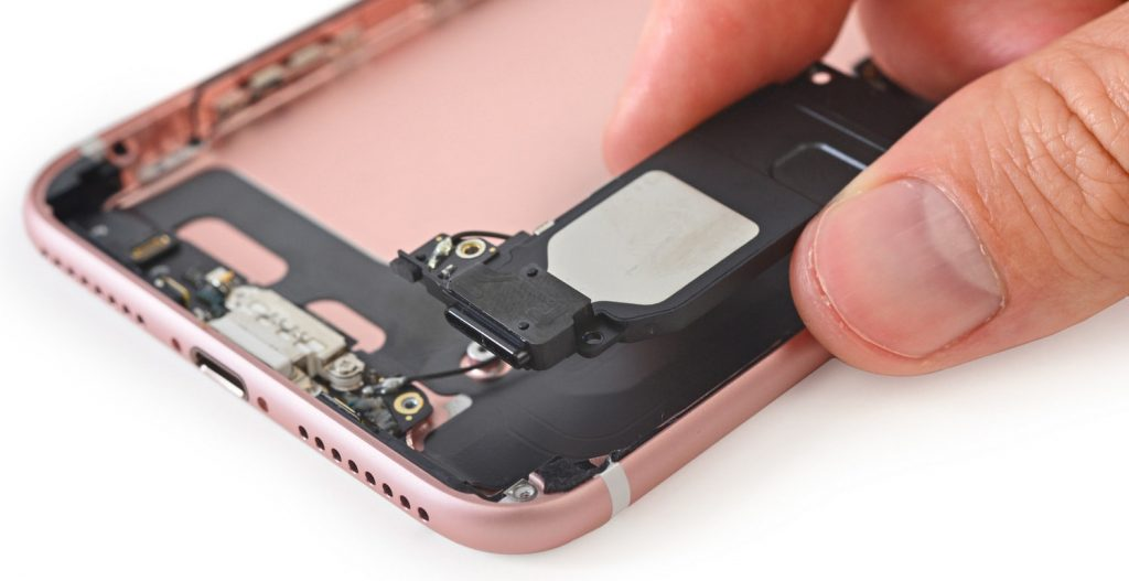 Замена динамика iPhone 8