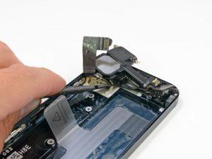 Замена музыкального (полифонического) динамика iPhone 5 в Москве