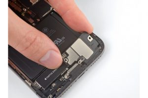 Замена динамика iPhone X