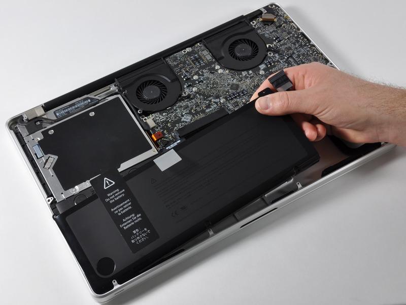 замена аккумулятора макбук про