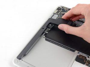 замена динамика macbook air