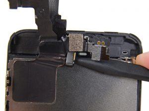 замена фронтальной камеры и датчика света iphone 5c