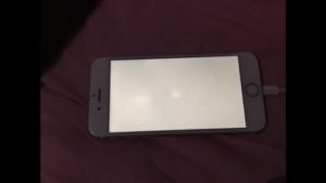 пятно на экране iphone